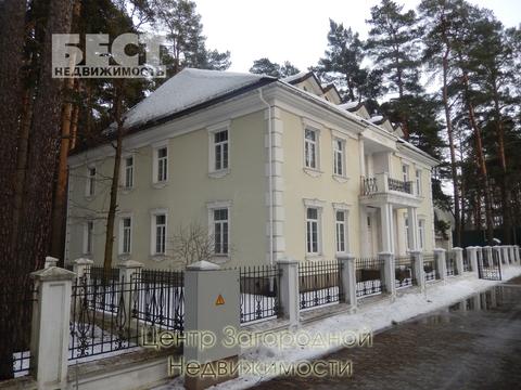 Продается дом, 900 кв.м., Новодарьино