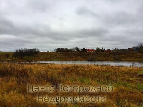 Озеро возле поселка